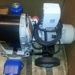 Driller - Yksinkertainen ja luotettava kalvopumppu lietteen pumppaamiseen. Valmistaja ATM, USA. Käyttövoima sähkö tai polttomoottori.